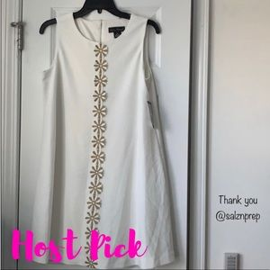 🎉2x HP🎉 NWT white and gold dress